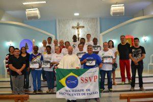 Missionários com o padre Carlinhos