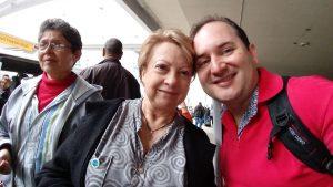 Cristian ao lado da consócia Margarita Henao, que auxilia o CGI na parte de formação