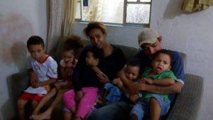 O assistido pede que seja publicada uma foto com a linda família que ele tem